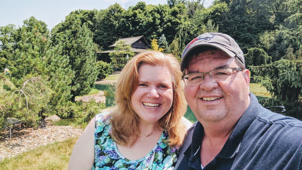 photo of Wendi and Bobby Warren; Wendi shares thoughts on entrepreneurship